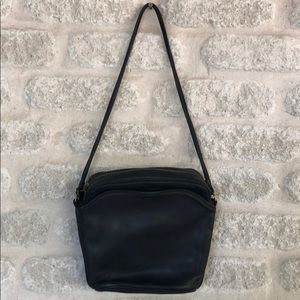 Vintage Coach black leather Gallery bag 4028